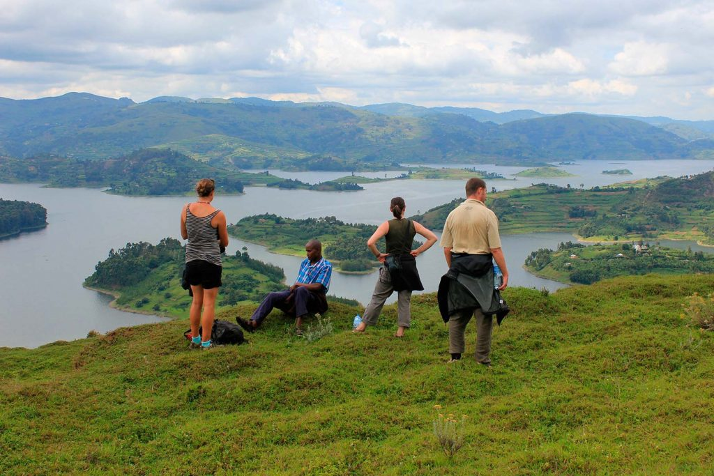 Uganda Safari Destination, Uganda lake bunyonyi holidays safari destination